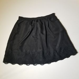 3/20$ XXI essentials black skirt size S